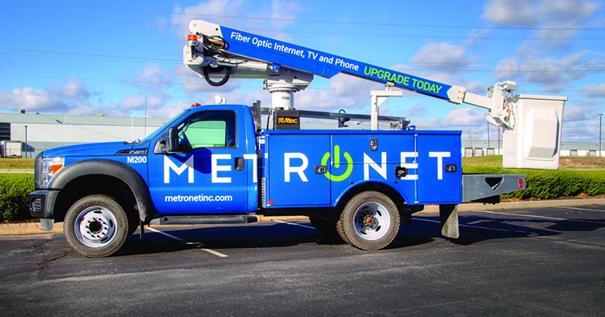 MetroNet Bucket Truck Wrap